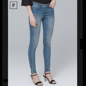 Mid-Rise Faux Pearl Trim Skinny Crop Jeans
